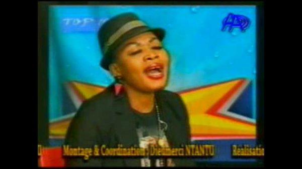 Marechal Tito Ayambi FAILA chanteuse ya Anti Choc Stars na émission Top 10