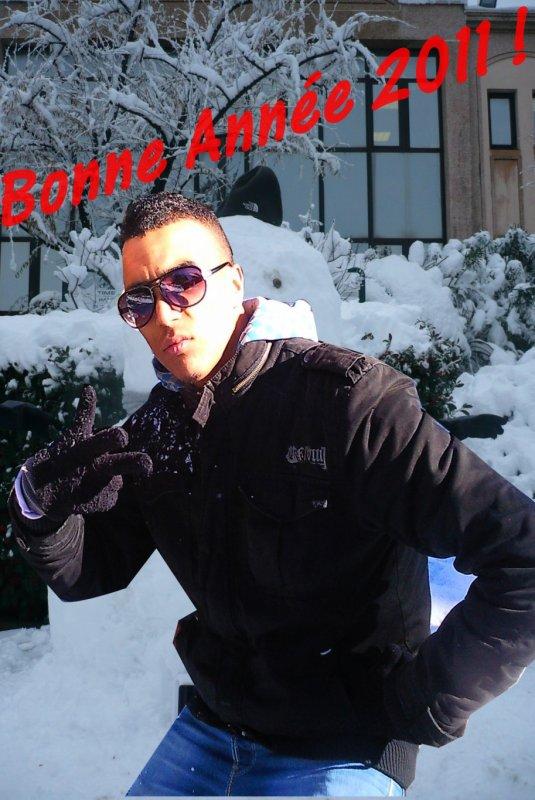 Moi....a tt mes amis ===]++Bonne Année 2011 ! ====°)