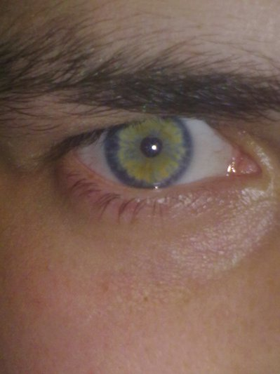 mes très beau yeux <3
