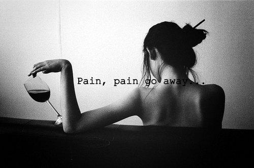 C'est la douleur qui fait écrire. Les gens heureux n'ont pas d'histoire.