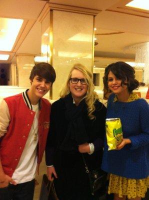 Sorte:Fãn tira foto com Selena e Justin