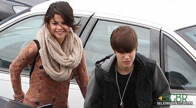 Selena e Justin indo tomar café da manhã no restaurante ihop