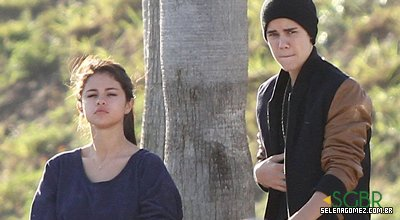 selena recebi visitinha do seu namorado Justin bieber nas gravações de Spring Breakers