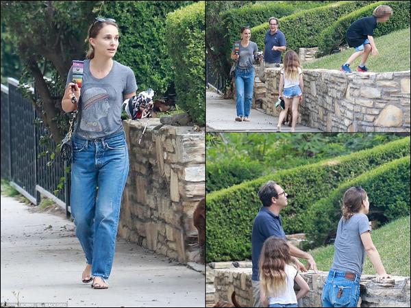 11.09.2018 :  Après le Festival de Toronto Natalie est de retour avec sa famille à Los Angeles (peu de photos)