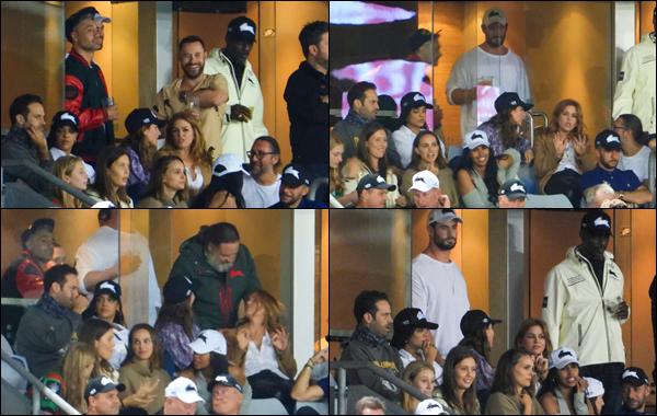 ● 26/03/2021 : Natalie Portman a assisté à un match de rugby située dans la ville de Sydney en Australie  Beaucoup de personnalités étaient présentes à ce match notamment Chris Hemsworth, Elsa Pataky et plein d'autres