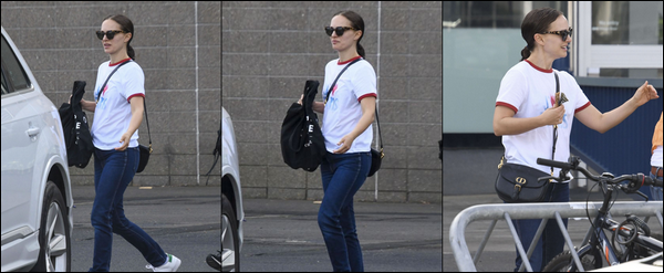 ● 04/05/2021 : Natalie Portman a été photographiée se promenant dans la ville de Sydney située en Australie   Natalie portait un look casual plutôt simple, elle porte toujours les mêmes coiffures à savoir une queue de cheval!