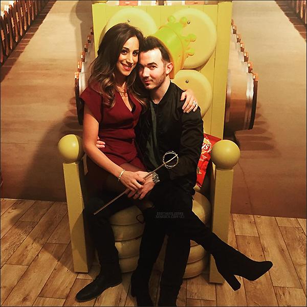 . Kevin Jonas||Kevin et sa femme Danielle ont posté quelques photos. || 20/01/16 .