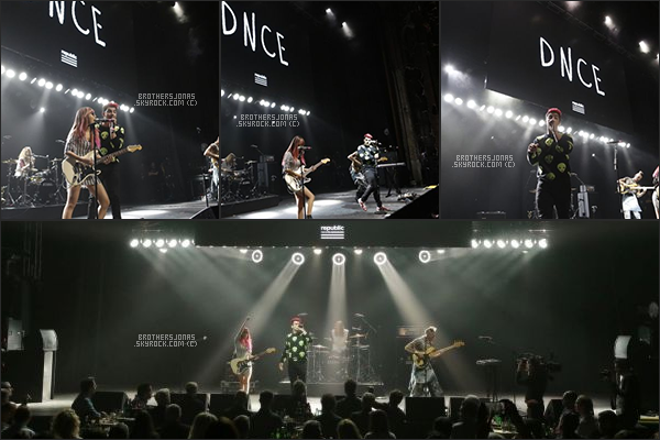 . Joe Jonas || DNCE a donné un concert à l'Universal Music Group 2016.  || 14/02/16 .