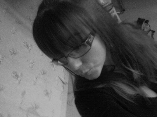 """♥♥♥ On ne regrette pas les personne qu'on regrette, c'est la partie de nous même qui s'en va avec elle  ... (lL"""") Pourtant, si tu savais a quel point je regrette tout nos moments ♥♥♥"""
