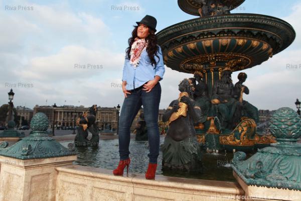 ● Cap Amel Bent @ Place de la Concorde by Christophe Capman 1/5 ● (06.11.11)
