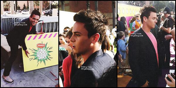23.03.2013 - Tom était aux Kids Choice Awards 2013.