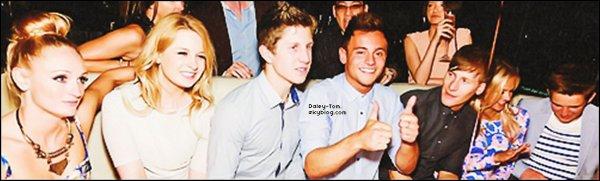 03.06.2013 - Tom était de sortie a Plymouth et a posé avec deux fans.