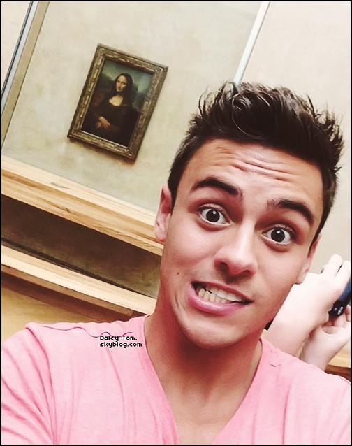 08.07.2013 - Tom se trouvait dans un musée a Paris.