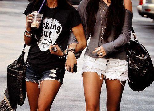 La plus belle chose au monde c'est d'avoir une ami <3 !!