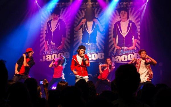 Pour le lancement de son album jacob a fait un concert au Montreal