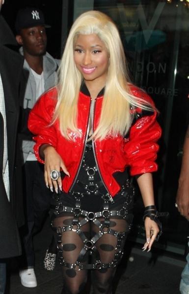 """Nicki Minaj et le rappeur 2 Chainz viennent de dévoiler le clip du tube """"I Luv my Trippers"""", un clip très sexy à découvrir !"""