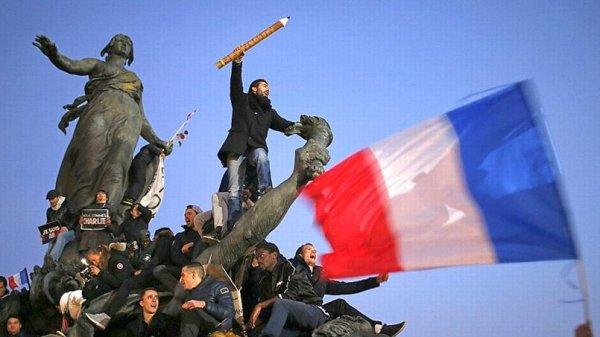 « Dans la plupart des pays, les citoyens possèdent la liberté de parole.Mais dans une démocratie, ils possèdent encore la liberté après avoir parlé. »André Guillois