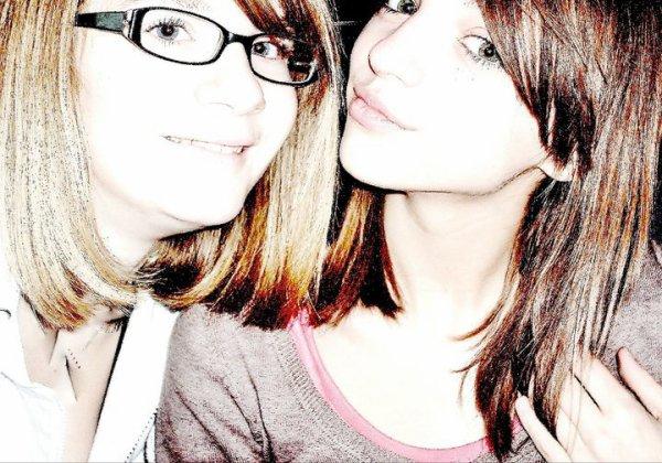 Elle sans moi, moi sans elle, peut importe.. Ce n'est juste pas possible ! { _. Ma meilleure amie. }