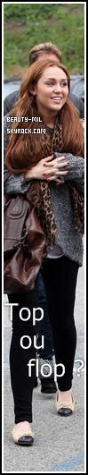 .Family Cyrus is back, that's pretty cool !.Catégorie: Candid_________Date: 27 mars 2011_________Lieu: Los Angeles  Miley a été aperçue hier sortant du Coffee Bean avec ses parents et sa petit soeur Noah, que c'est beau de les voir réunis, ça me donne envie de pleurer. Non je déconne. B-M vous révèle plus d'infos sur le tournée 2011 de la Cyrus ! Une setlist des chansons que Miley interprétera pendant ses concerts est disponible ici mais elle n'a pas été confirmée ! La tournée est appelée Corazon Gitano Tour pour les dates en Amérique du sud seulement, mais pour les autres pays (Australie, Asie) ce sera le Gypsy Heart Tour. Cette tournée fait déjà triomphe auprès des fans car d'après un site le concert de Miley au Pérou prévu le 1er mai et dont les 25.000 places sont en vente depuis le 23 mars dernier, serait déjà complet ! En ce moment, les bonnes nouvelles pour Miley n'arrêtent pas, et tant mieux ! Côté tenue: Waouh Miley ! C'est la joie de vivre qui te donne envie de bien t'habiller ? Si c'est ça c'est génial, moi perso j'adore, et la Cyrus innove, elle a mis des ballerines (que je n'aime pas trop soit dit en passant). Le pull loose est très jolie le sac s'accord avec son foulard et le jean noir bah ça fait passe partout, j'adore, top. :).