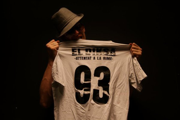 Elle... (2011)