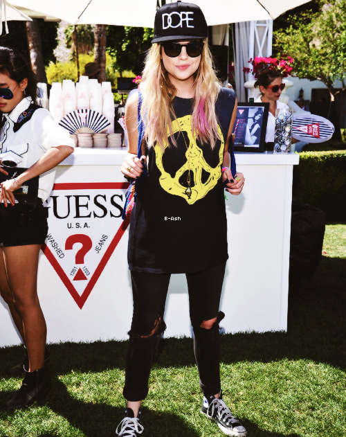 14/04 - Ashley était à la fête de GUESS à l'Hotel Viceroy à Palm Springs, Californie