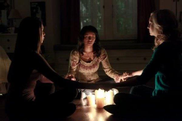 Saison 1 Episode 9 : History Repeating / Le Cristal de la discorde