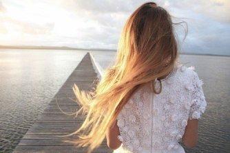 Je suis juste une histoire comme ça , Juste une fille comme cela . . .  (8)