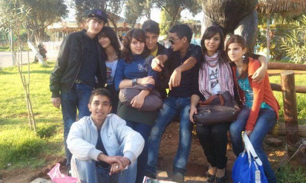 me and my friends ps: je suis au milieu lol