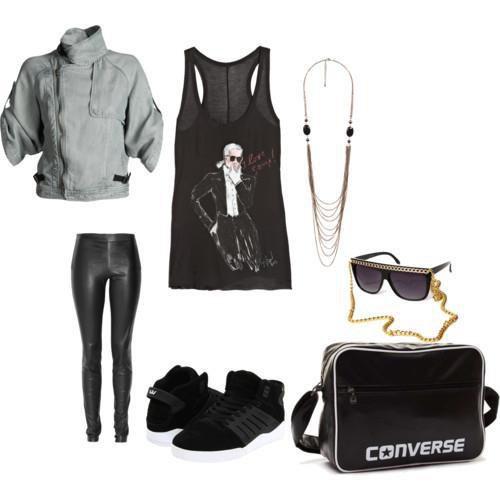 Si une femme est mal habillée, on remarque sa robe, mais si elle est impeccablement vêtue, c'est elle que l'on remarque.  »  Coco Chanel