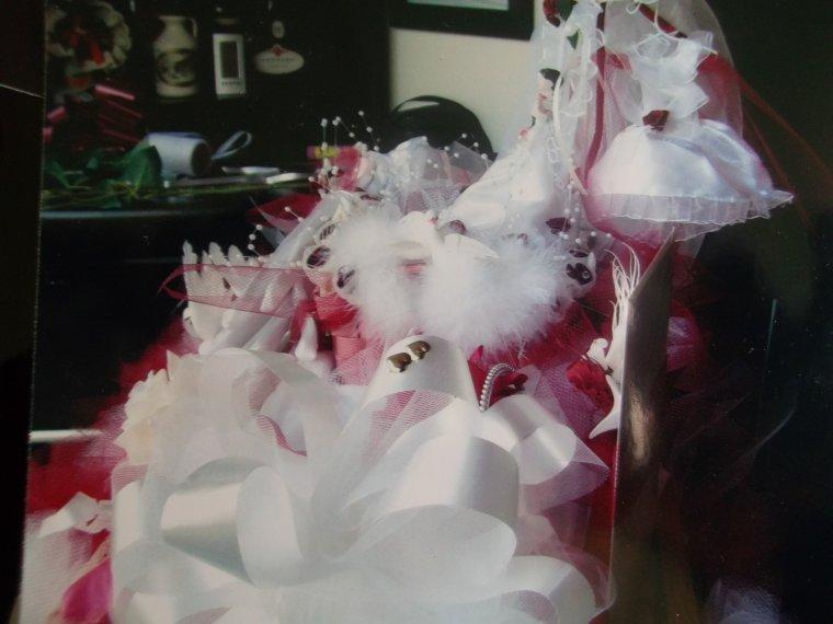 Dos du panier de marié (fait main)couleur blanc et bordeau choix des mariés
