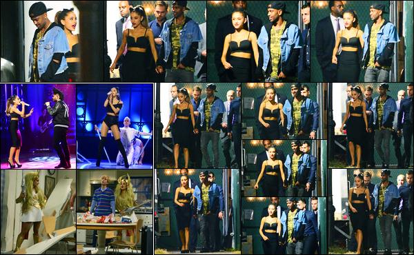 28.09.2014 ─ Ariana Grande a été aperçue, alors, qu'elle quittait le plateau « Saturday Night Live », à New-York.La belle A. a participer donc à l'émission Saturday Night Live où elle a chanter Break Free et Love Me Harder avec The Weeknd. Puis elle a fait un sketch.