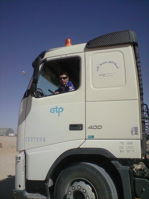 mon camion Volvo 400 lol