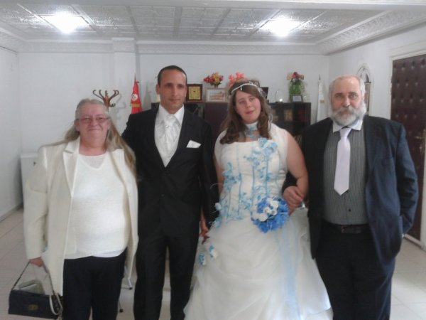 ma femme mes bo parent et moi mariage en tunisie le 15/02/2012
