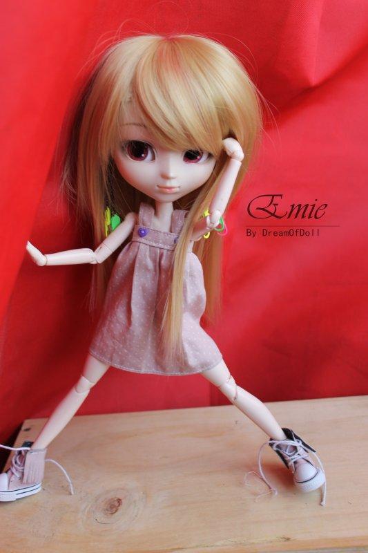 Petite Emie :3