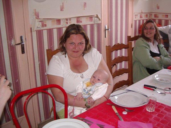 mon ange avec sa mamie