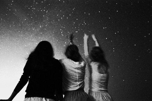 «C'est la nuit qu'il est beau de croire à la lumière.»  Edmond Rostand