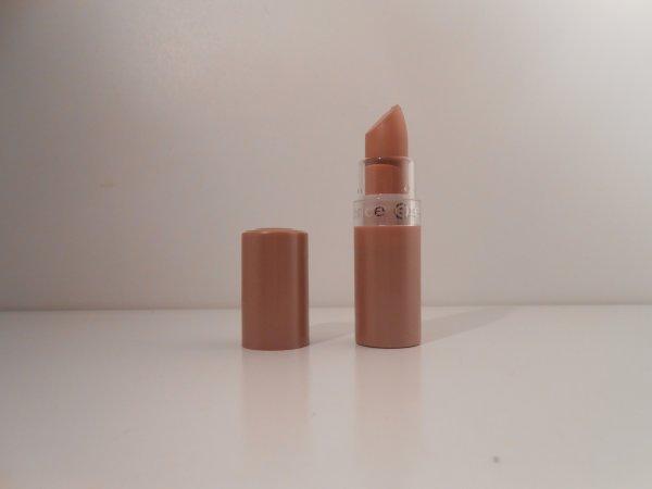 [Lèvres 3] Mon rouge à lèvre essence