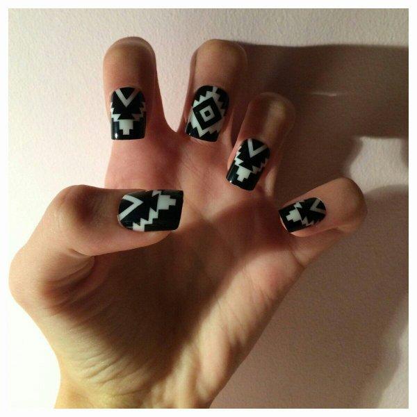 [Nail-art 13] Mes nouveaux faux ongles