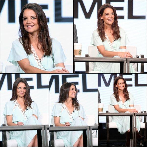 Katie a été à une présentation pour The Kennedy (Série dont elle a tourné la deuxième saison et dans laquelle elle interprète Jackie Kennedy) - le 13 Janvier -