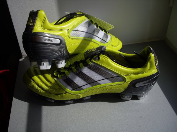 Adidas predator perso d'Arnaud Grosselin (mon best buyer lol!)