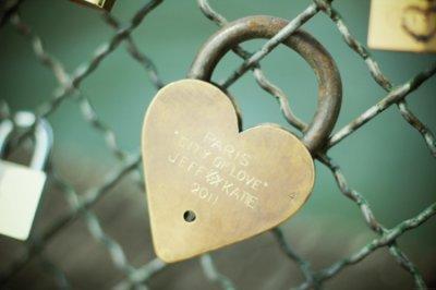 Les peines sont comme les amours, au petit matin elles vous laissent, une flèche plantée dans le coeur