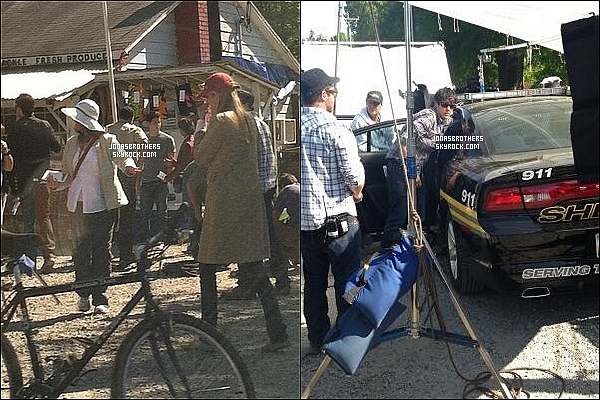 ' 22/04/13 : Nick a été photographié sur le set de « Careful What You Wish For », pour le début du tournage du film. '