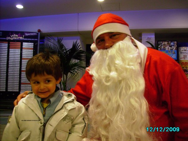 IDRYSS avec le Pere Noel en Decembre 2009