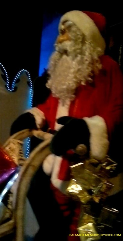 Pére Noel avec Elise,Idryss,Anthony en Decembre 2012