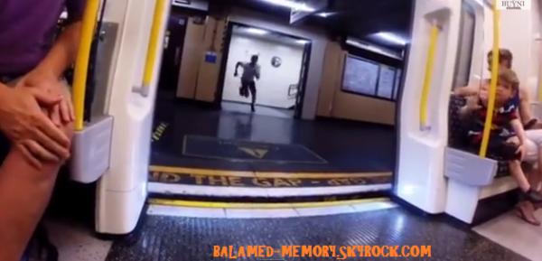 INFO-INSOLITE : L'homme gagne sa course contre le métro (vidéo)