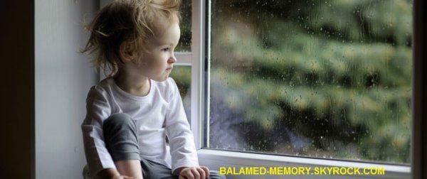LE SAVIEZ VOUS ? : Un bébé est tombé d'une fenêtre deux années d'affilée. Il a atterri sur le même passant les deux fois !