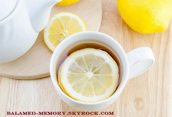 SANTÉ AU QUOTIDIEN : De l'eau et du citron. Le remède détox qui peut détruire vos dent
