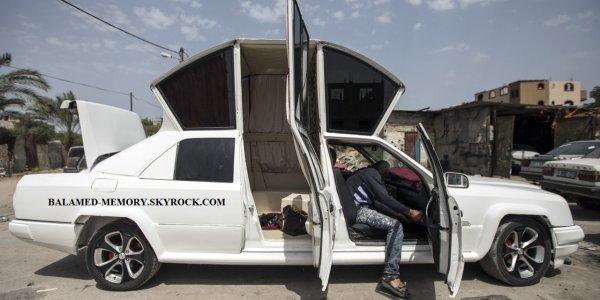 INFOS INSOLITE, ETRANGE : A Gaza, une limousine «faite main» pour balader les jeunesmariés