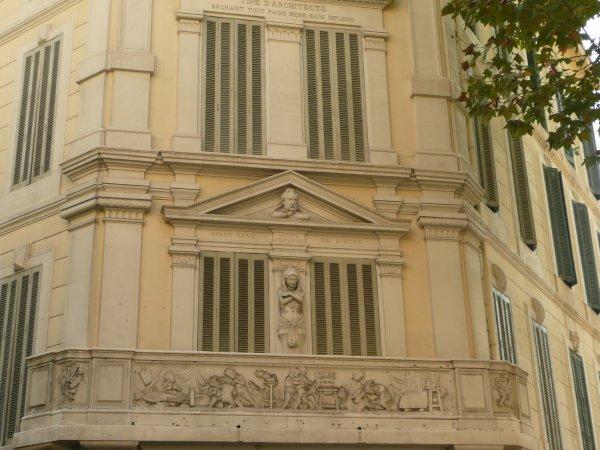 """la maison """"ARTISTE STATUAIRE""""    photo marseillepassion du 22 sept 2010"""