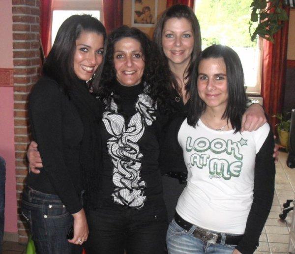 Pris, mam's, ju et moi !!